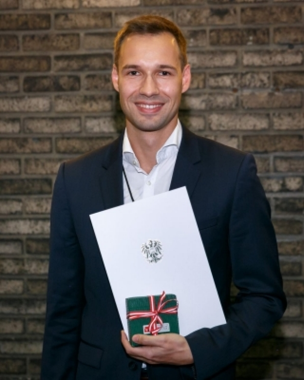 Dr. Reiter received ASciNA Young Scientist Award 2019